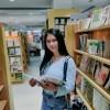 Dewi Apriani Photo