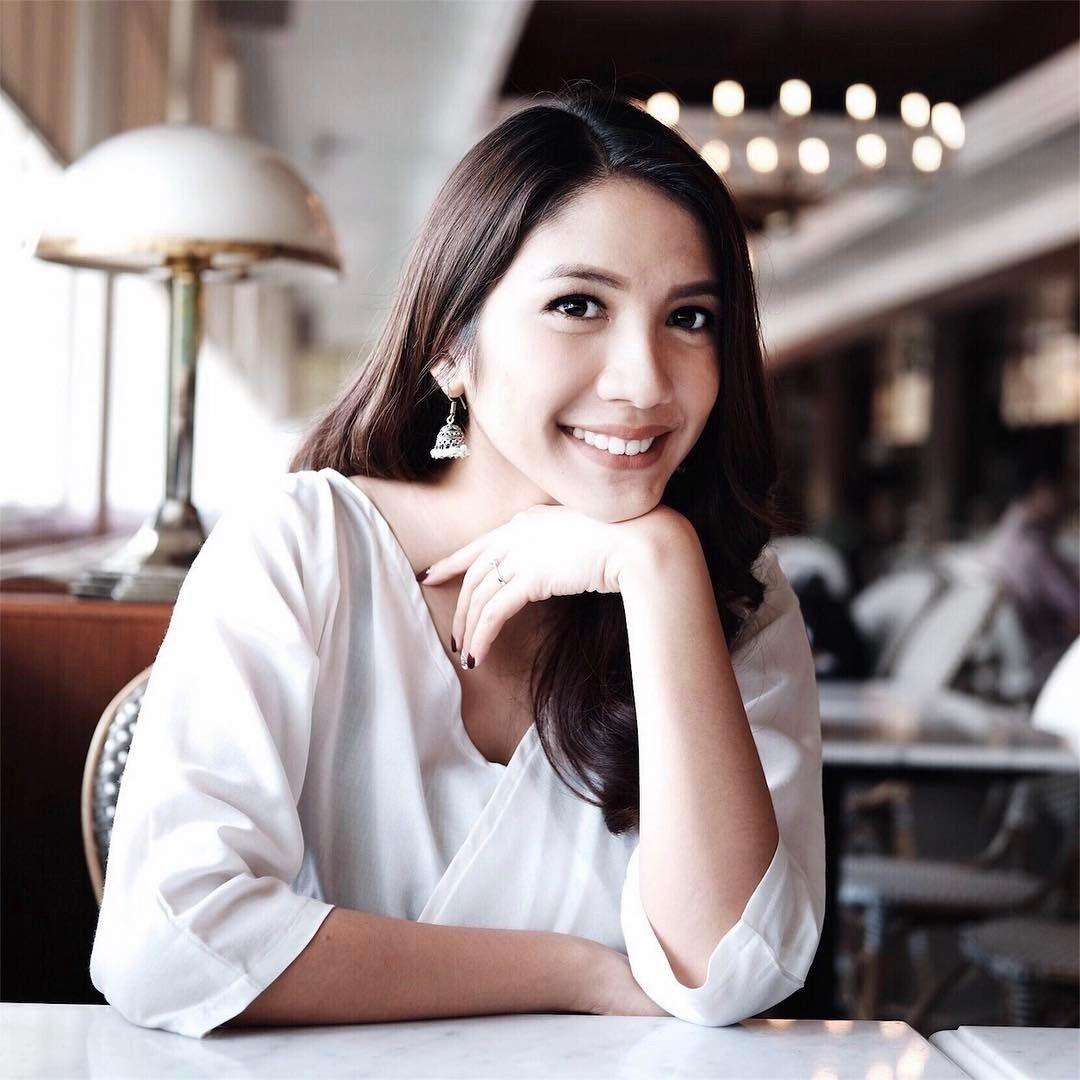 Natural dan Berprestasi, 5 Aktris Ini Ternyata Anak Medan Lho!