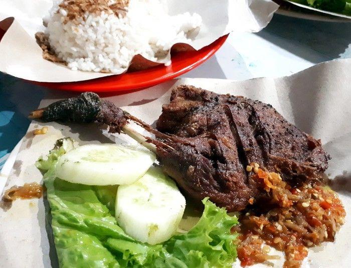 4 Rekomendasi Bebek Goreng di Bandung yang Super Enak dan Murah!