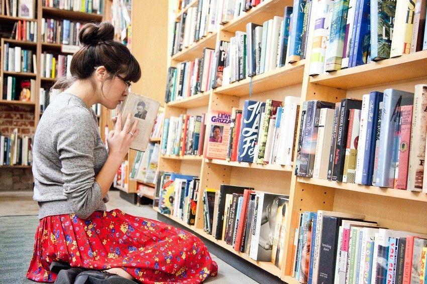 13 Macam Julukan Buat Pecinta Buku, Mana yang Kamu Banget?