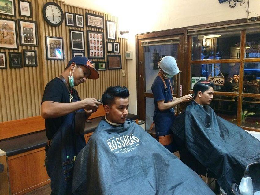 6 Rekomendasi Barbershop di Surabaya Ini Bisa Bikin Langsung Kece!