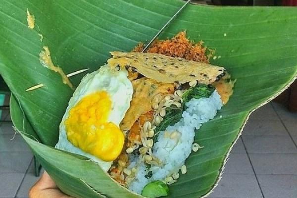 wajib coba 7 warung nasi pecel legendaris di kota madiun