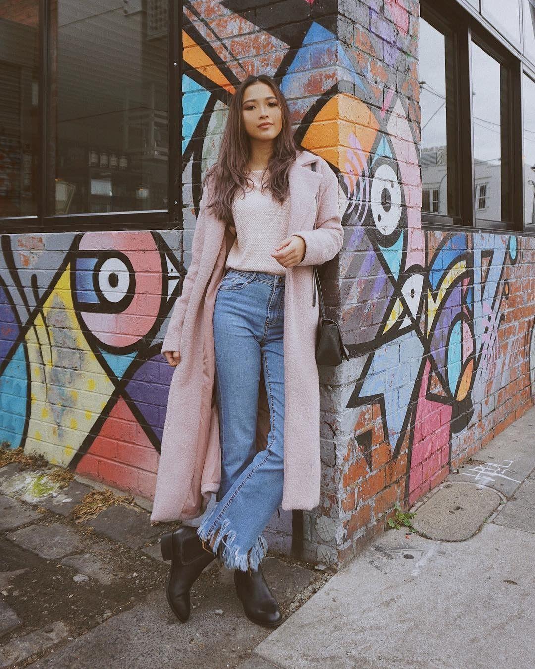 10 Inspirasi Outfit Buat Cewek Berkulit Sawo Matang ala Sara Robert