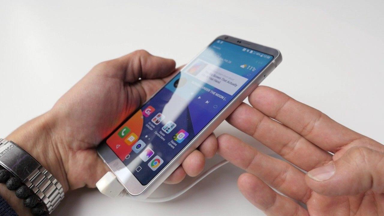 Dijamin Puas, Ini 5 Smartphone Layar Lebar yang Cocok Untuk Gamers!