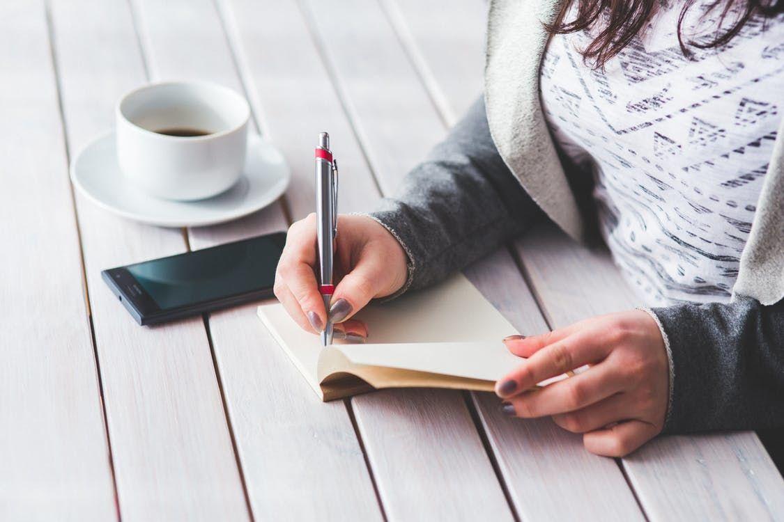 Jadi Pengingat, 5 Alasan Kamu Perlu Menuliskan Kisah-kisah Kegagalanmu