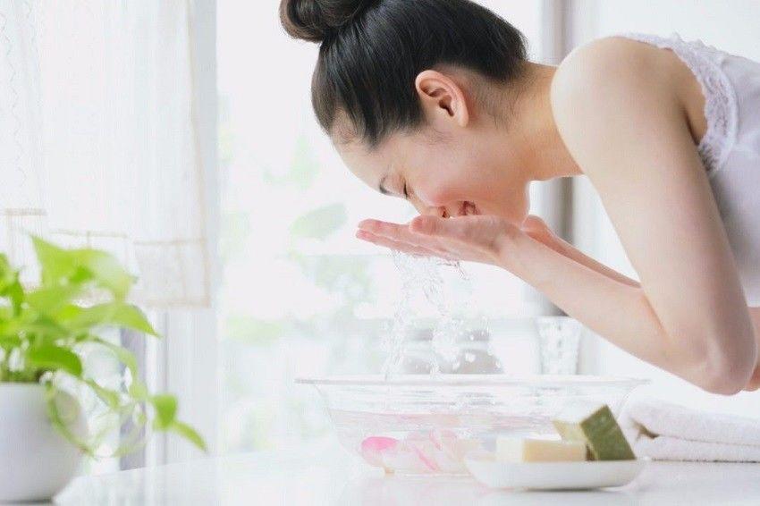 Sering Pakai Make Up, 5 Tips Ini Akan Bantu Kulitmu Tetap Sehat