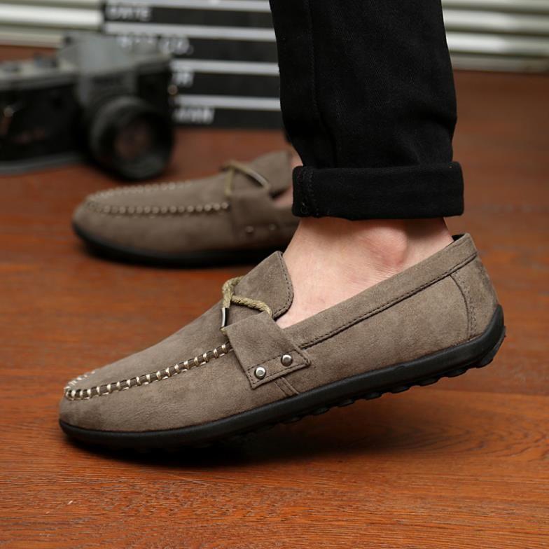 Tampil Macho Cowok Keren Wajib Punya 10 Model Sepatu Ini