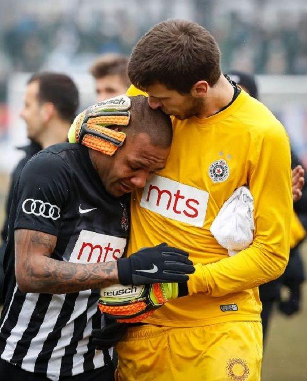4 Kasus Rasisme yang Dilakukan Suporter Bola, Gak Patut Dicontoh!