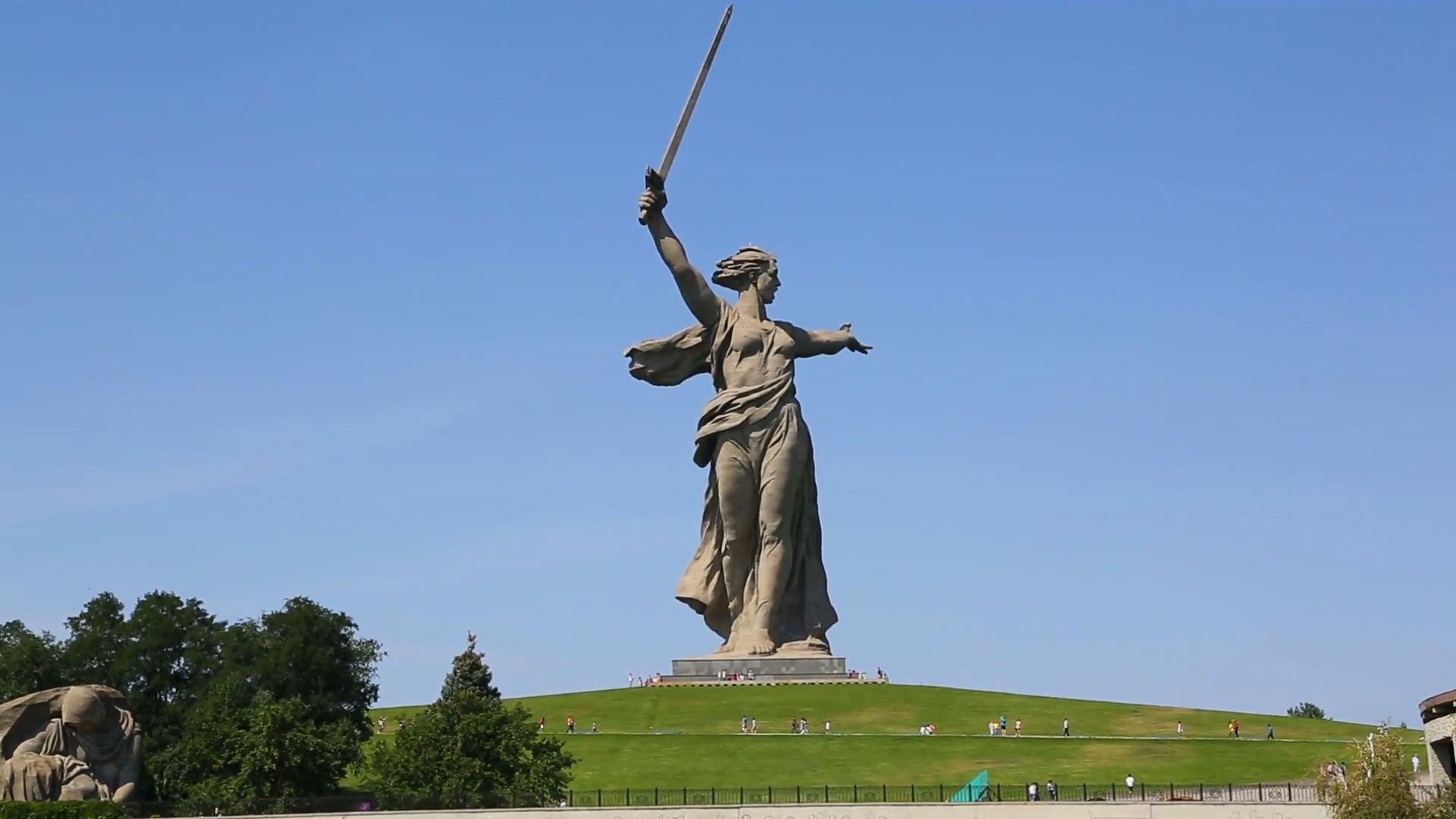 Ini 7 Patung Tertinggi di Dunia, Ada Garuda Wisnu Kencana Lho!