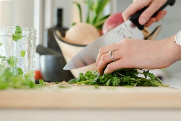 Image result for memotong sayur