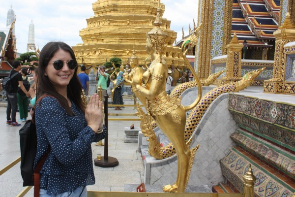 2 Americans who bared butts at Bangkok temples are arrested