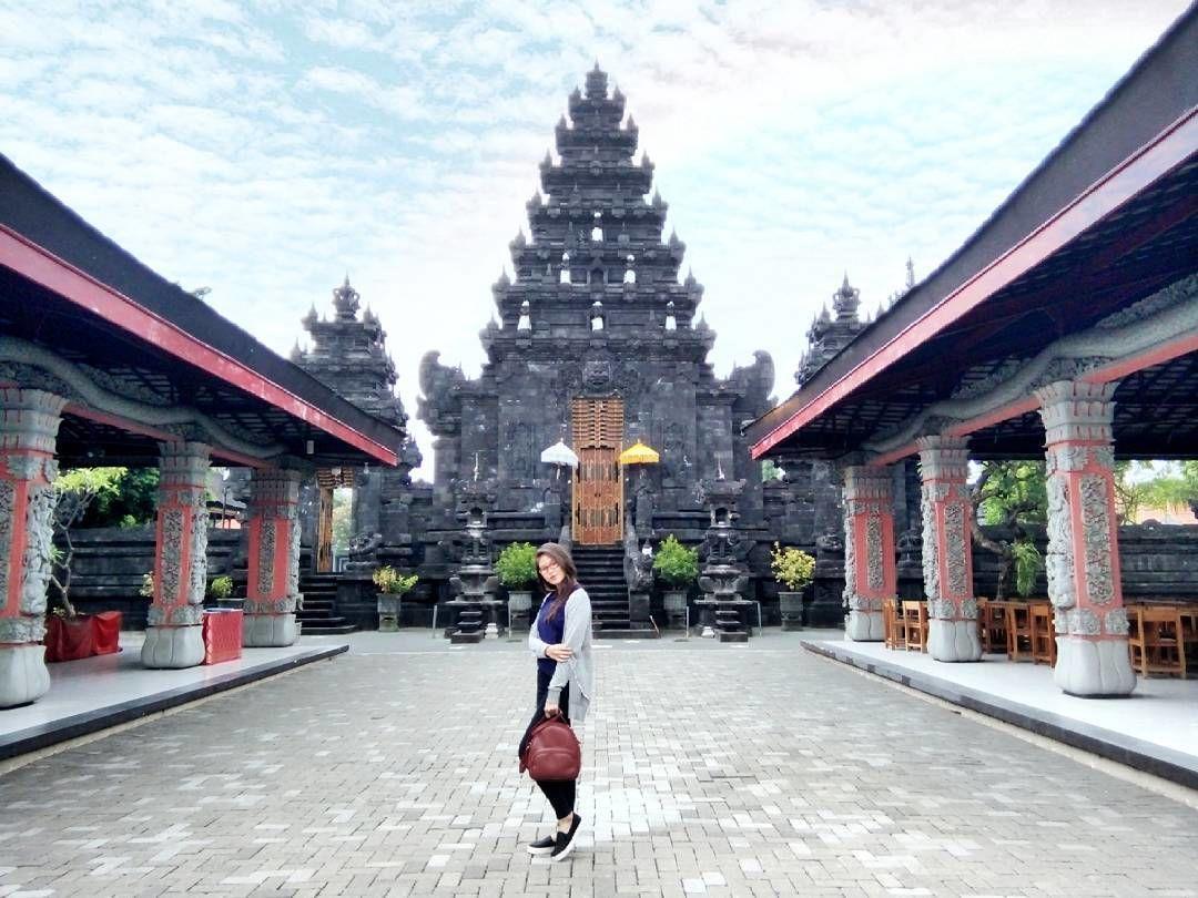 5 Fakta Pura Agung Jagat Karana di Surabaya, Berasa ada di Bali!