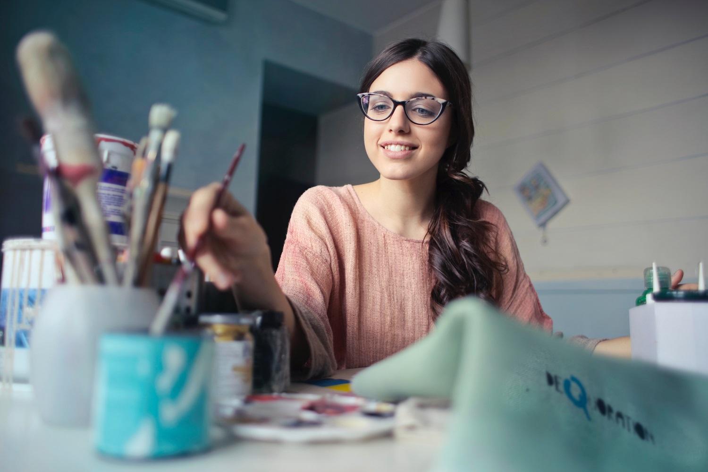 Suka Menggambar? Ini 7 Manfaat Luar Biasa untuk Anak dan Orang Dewasa