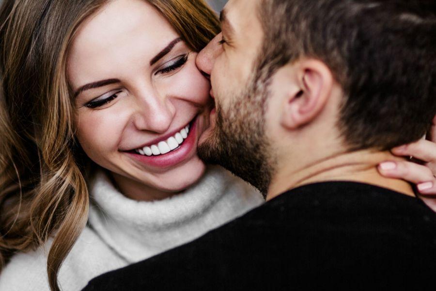5 Zodiak yang Mencintai Tulus Semua Kekuarangan Pasangannya