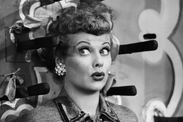 https://cdn.idntimes.com/content-images/community/2018/10/lucille-ball-photos-1-e10d9db6998d4d74d55f547fb058023e_600x400.jpg