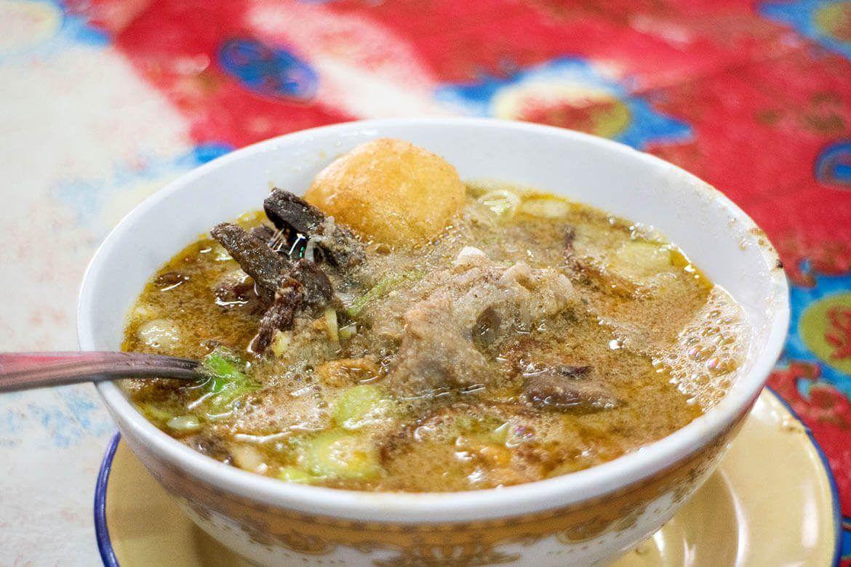 5 Makanan & Minuman Khas Makassar Paling Digemari pada Musim Hujan