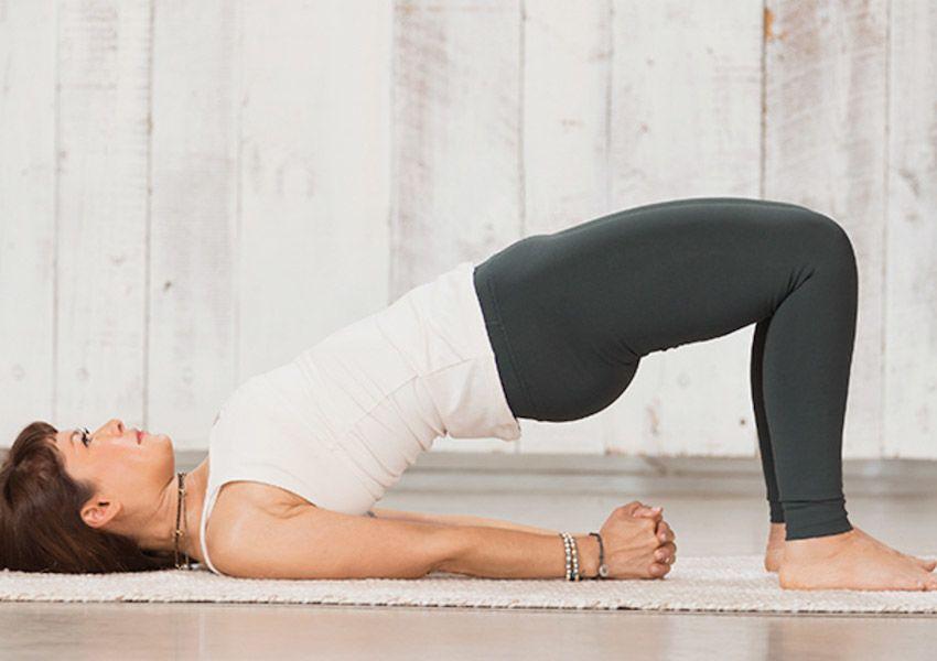 Ikut Yoga Ternyata Bisa Bakar Lemak hingga Tidur Lebih Nyenyak Lho!