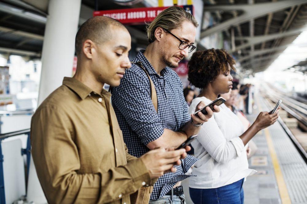 7 Fakta Penggunaan Smartphone Bisa Memicu Migrain Kambuh, Hati-hati Ya