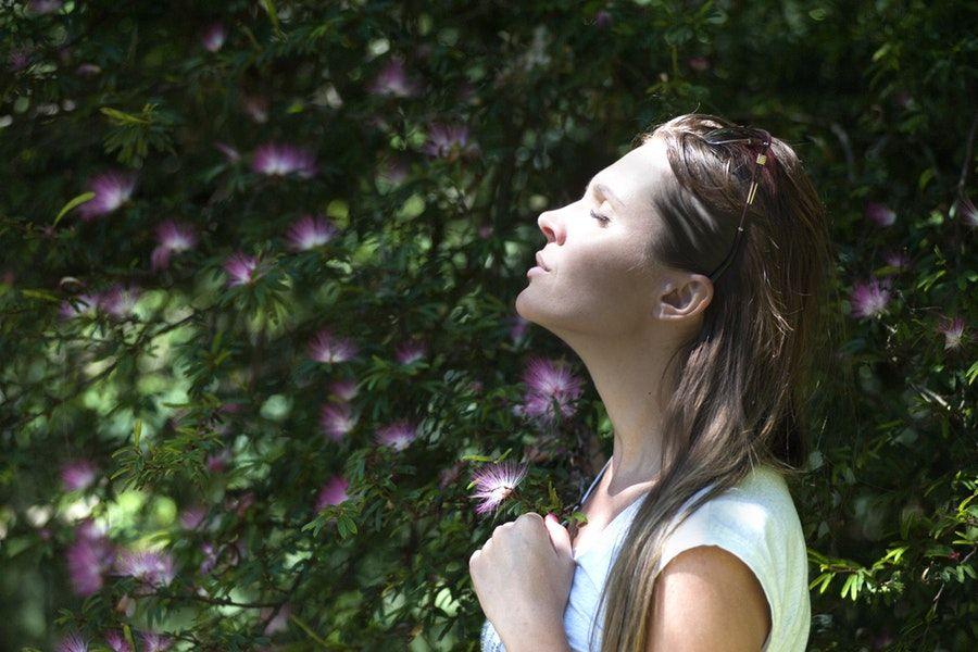 Camkan, Ini 6 Alasan Kamu Gak Perlu Ambil Hati Ucapan Pedas Orang Lain