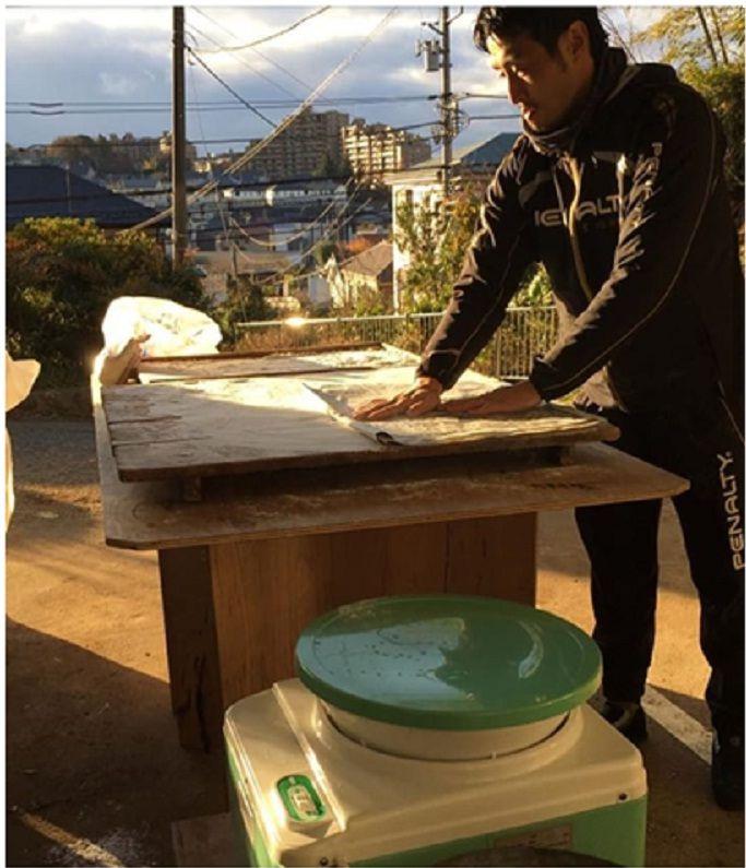 10 Potret Pelatih Futsal Kensuke Takahashi Saat Pulang Kampung