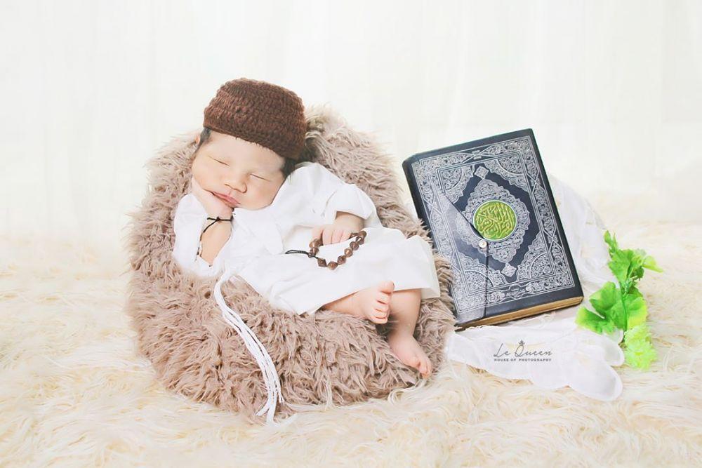 Bikin Gemas! 10 Inspirasi Photoshoot Bayi dengan Tema Islami