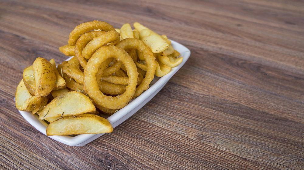 7 Makanan & Minuman Enak Ini Ternyata Gak Sehat Jika Sering Dikonsumsi