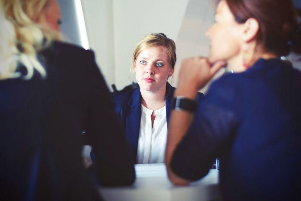 7 Alasan Agar Tidak Terlalu Terobsesi Pendapat Orang Lain Tentangmu