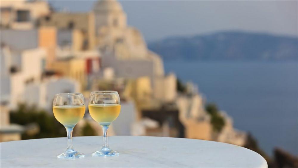 11 Fakta Menarik Santorini, Destinasi Favorit Turis Mancanegara