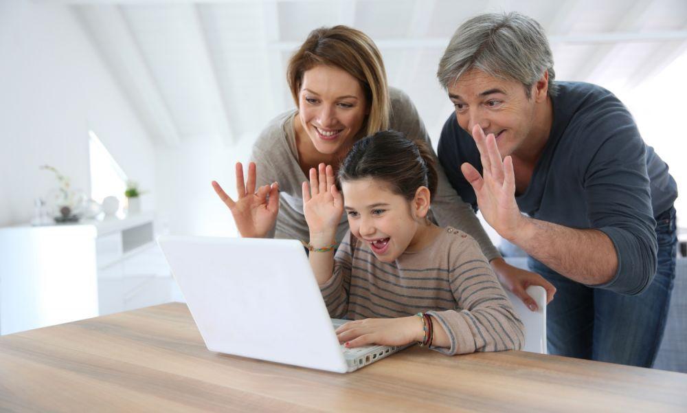 Bikin Gak Bosan, 7 Manfaat Internet bagi Ibu Rumah Tangga