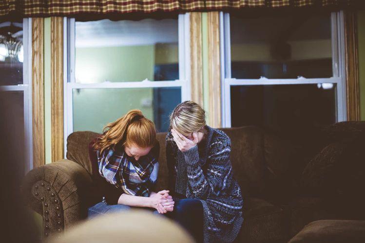 5 Hal Ini Membuktikan Kamu Sudah Menjadi Teman Curhat yang Baik