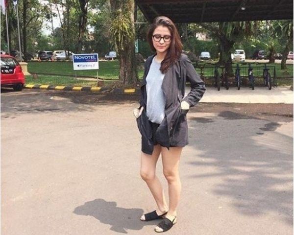 7 Pesona Aliyah Faizah, Bidadari Baru di Tukang Ojek Pengkolan