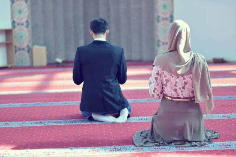 Perbanyak Doa Saat Ramadan, 5 Tips Mudah Agar Khusyuk dalam Berdoa