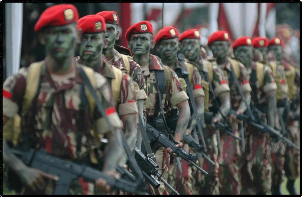 Bak Rambo! Pratu Suparlan Dari Kopassus Sendirian Habisi Ratusan Musuh