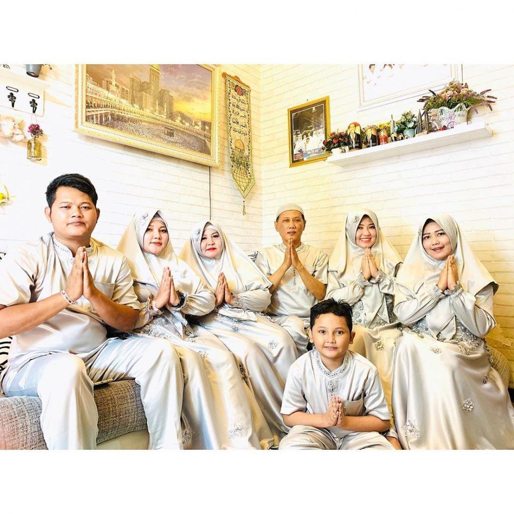 7 Potret Artis Dangdut Rayakan Idulfitri Bareng Keluarga, Hangat!