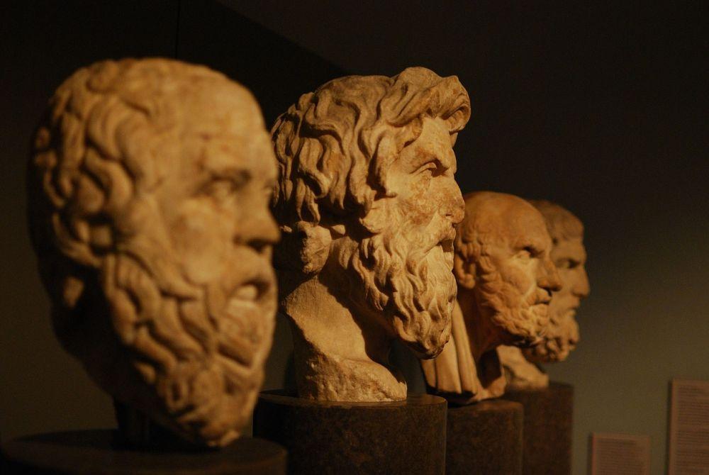 10 Aliran Filsafat yang Mempengaruhi Pola Pikir Manusia