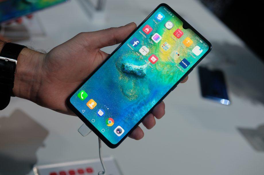 5 Smartphone Huawei dengan Bodi Aluminium Frame, Tampil Elegan!