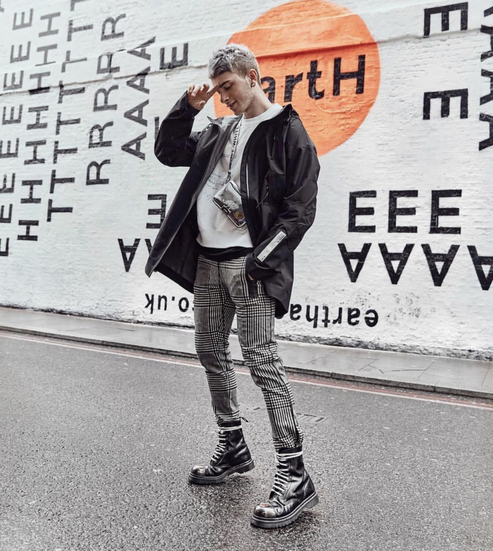 10 Gaya OOTD ala Fashion Blogger Joel Mcloughlin Ini Bisa Pria Tiru