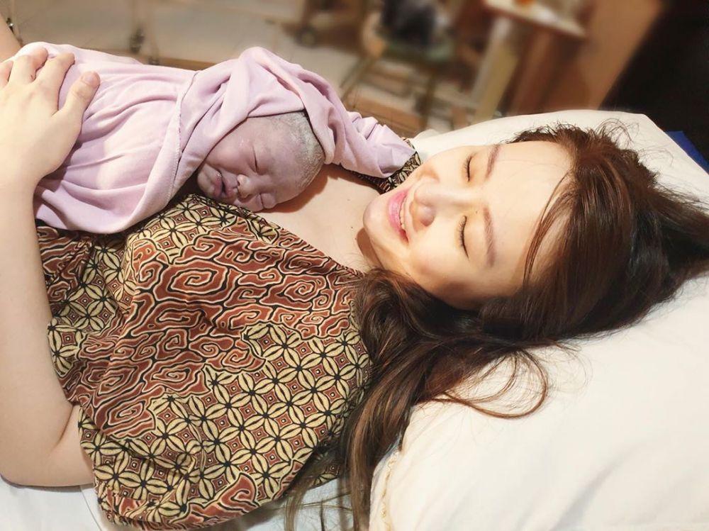 10 Potret Runa Elysia, Anak Kedua Ryn Ex-Cherrybelle yang Imut Abis!