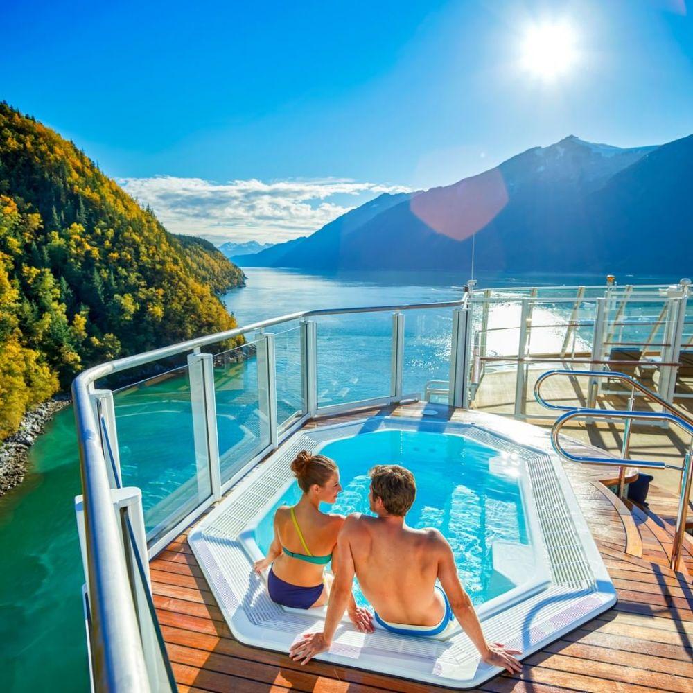 6 Kelebihan Liburan dengan Kapal Pesiar, Sensasinya Luar Biasa