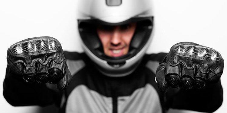 5 Riding Gear Penting di Musim Kemarau yang Kerap Diabaikan