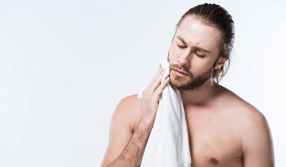 6 Kesalahan Pria dalam Mencuci Muka yang Bikin Grooming Gagal Total