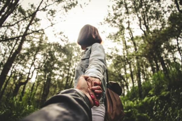 Lakukan 5 Langkah Ini Jika Kamu Mulai Berharap Banyak pada Pasangan