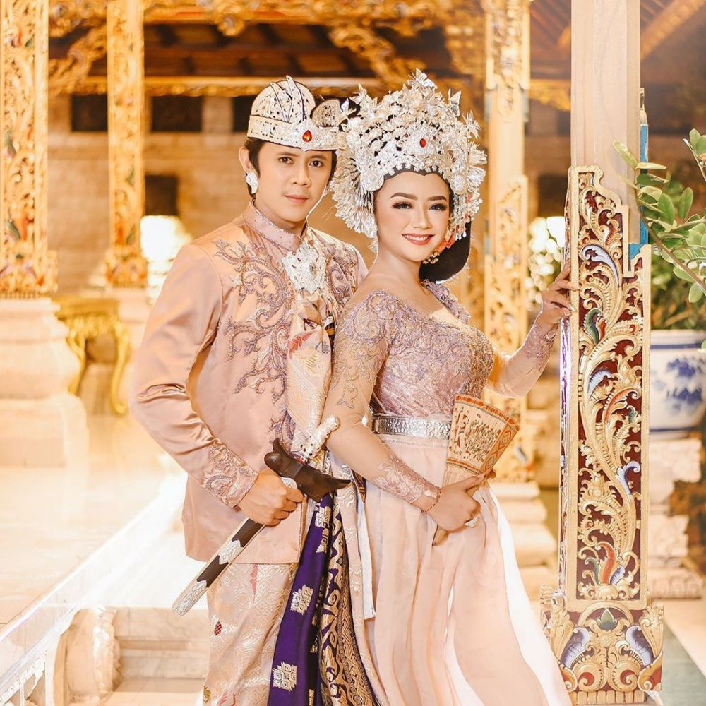 10 Potret Prewed Pasangan YouTuber Bali, Putu Bahagiana dan Ayu Puspa