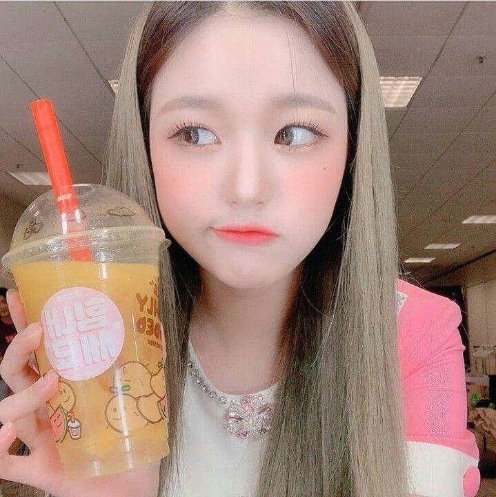 9 Potret Wonyoung, Maknae IZ*ONE yang Memiliki Pesona seperti Barbie