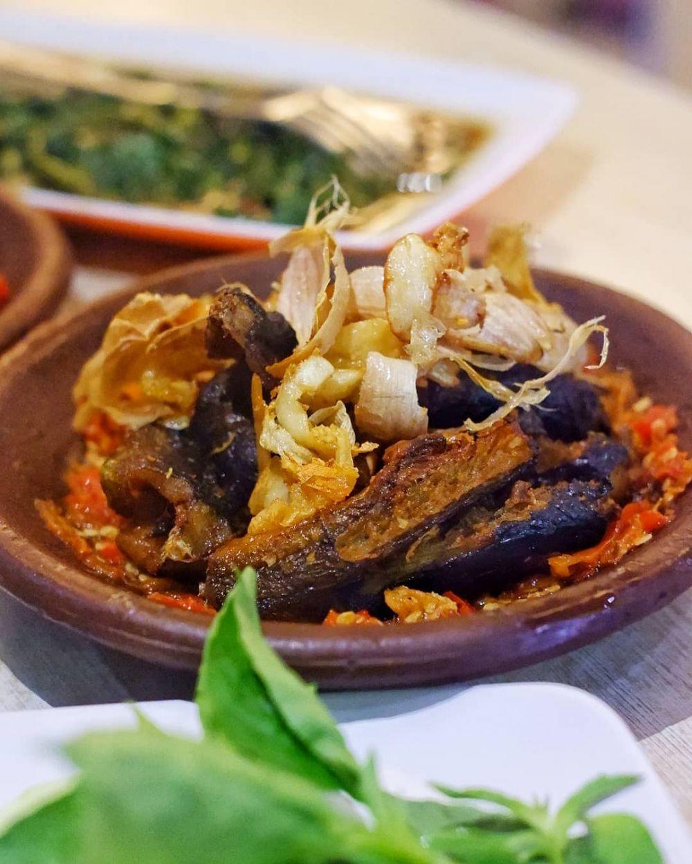 7 Warung Nasi Belut Paling Enak di Surabaya, Siap Goyang Lidah!