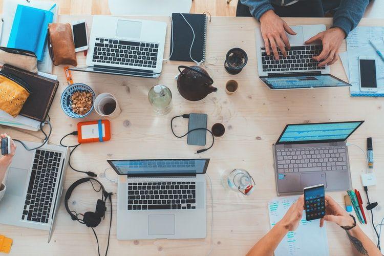 Freelancer vs Karyawan, Berikut 5 Perbedaan yang Perlu Kamu Tahu