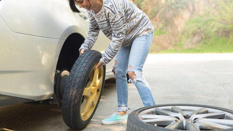 Berkendara Tetap Aman, Ini 5 Tips Menghindari Ranjau Paku di Jalan