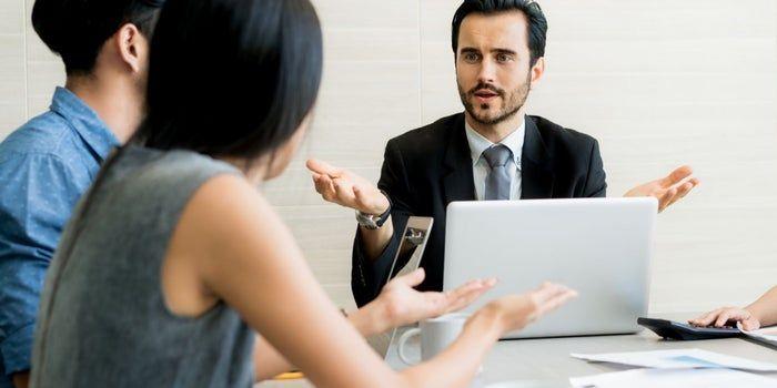 5 Tips Jitu Menghadapi Si Antagonis di Kantor, Jangan Ladeni