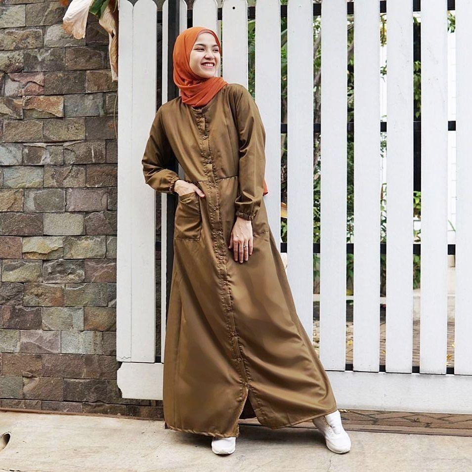 10 Referensi Gaya Hijab ala Marsha Natika, Ibu Dua Anak yang Stylish!