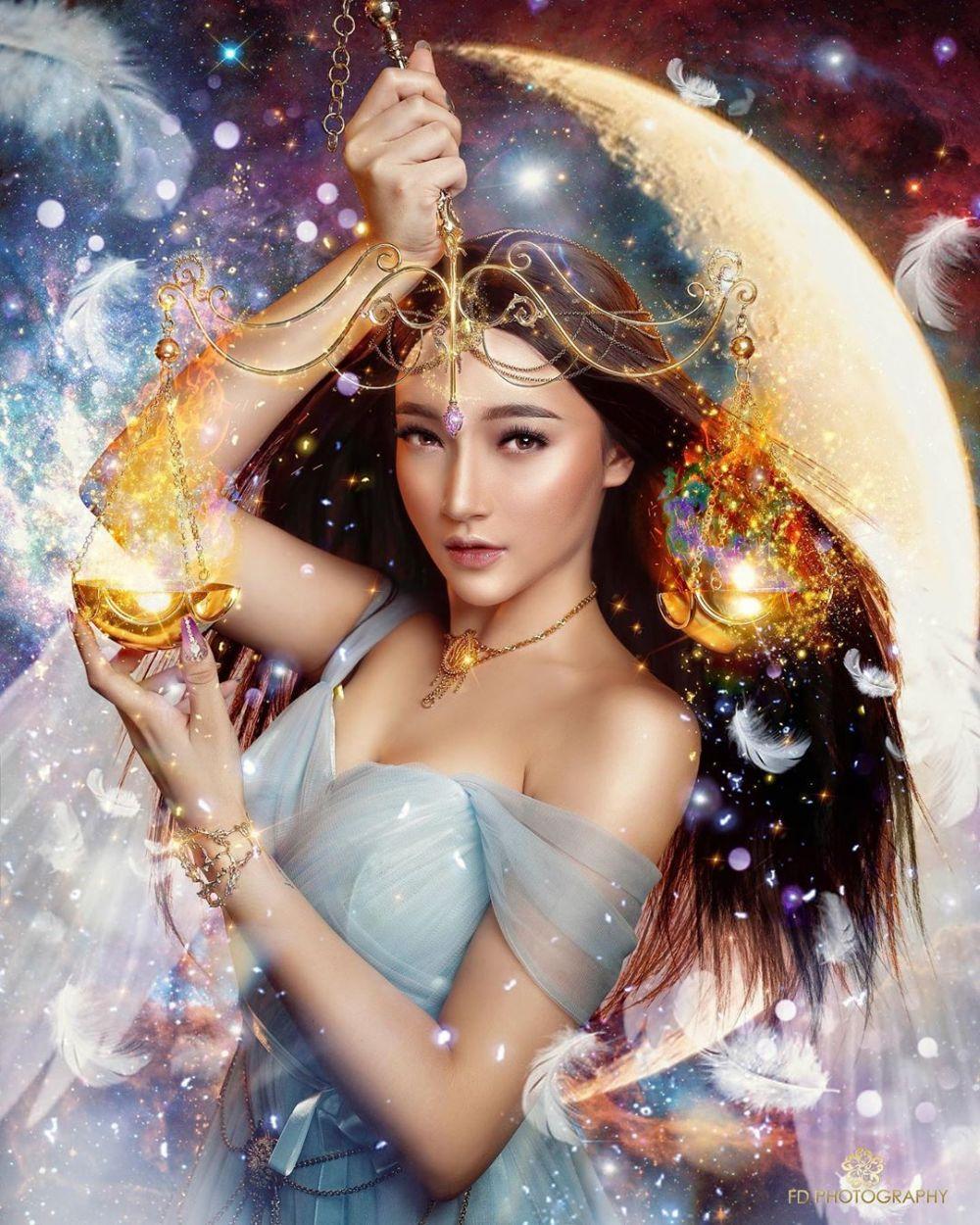 Bak Negeri Dongeng, 12 Pemotretan Artis Bertema Zodiak Ini Keren Abis